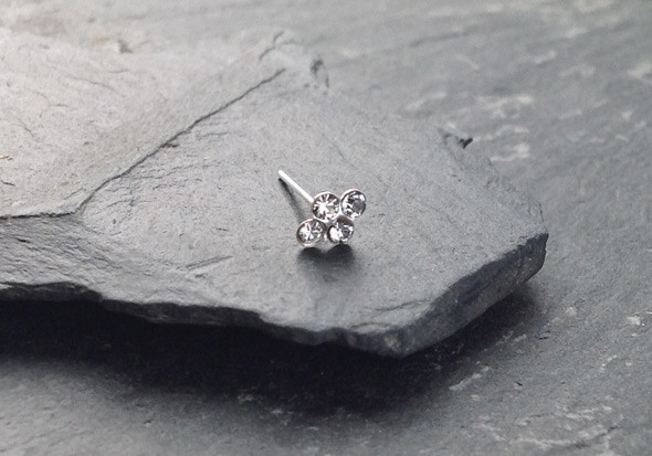 piercing nez argent 4 pierres blanches pas cher aia piercing. Black Bedroom Furniture Sets. Home Design Ideas
