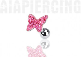 Piercing cartilage papillon pierres roses