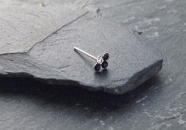Piercing nez 4 pierres - noir
