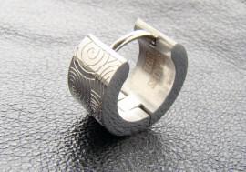 Boucle d'oreille anneau articulée spirales