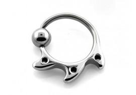 Piercing anneau BCR punk