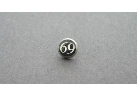 Piercing microdermal 69